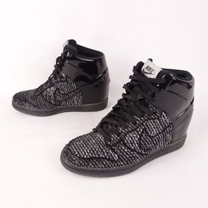 NIKE Limited Edition NYE - Wool/Synthetic Leather